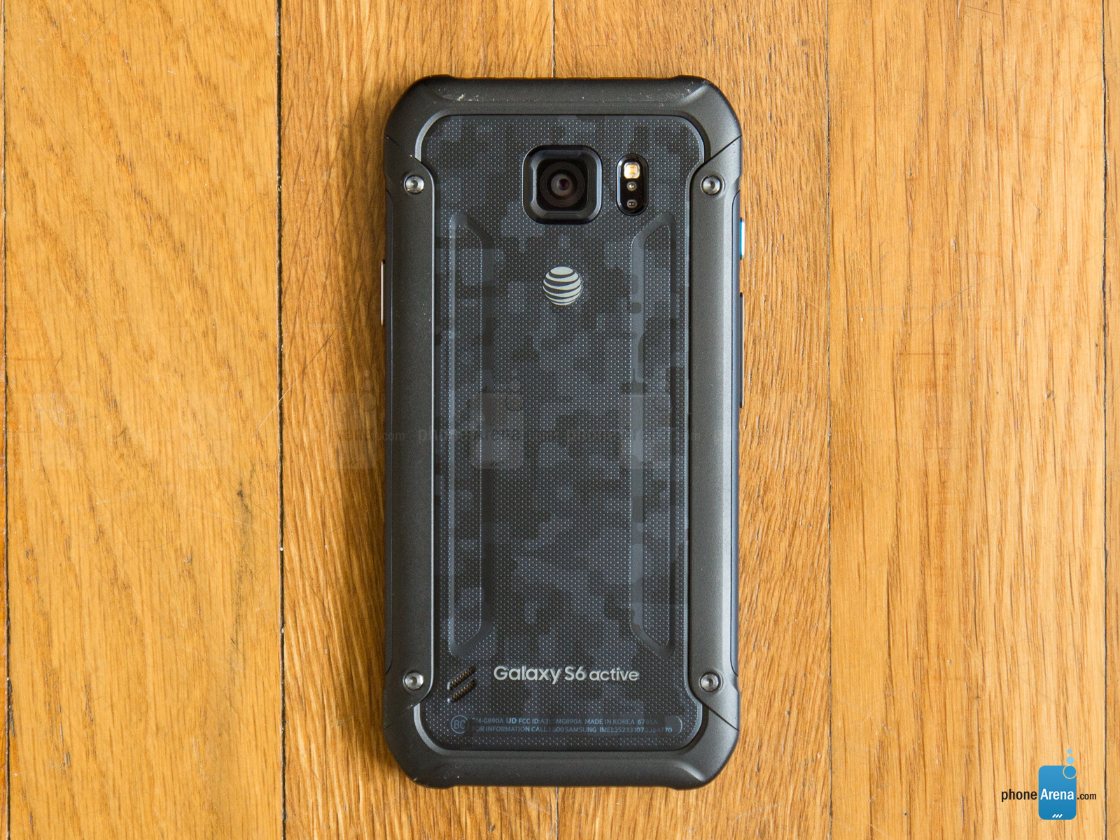 Samsung-Galaxy-S6-Active-Review-005