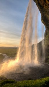 seljalandsfoss-waterfall-iceland-android-wallpaper